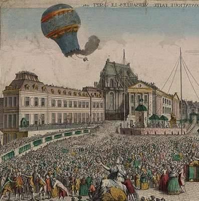 Een Montgolfier ballon stijgt op.