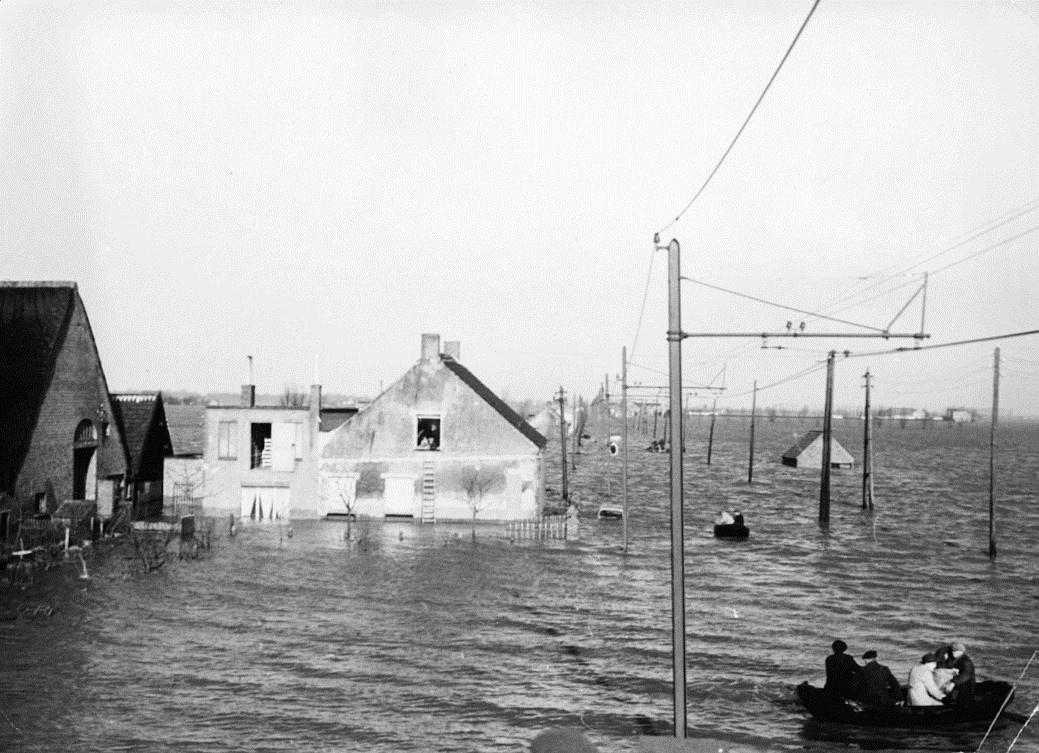 Overstroming in Lillo in het noorden van Antwerpen begin februari 1953.