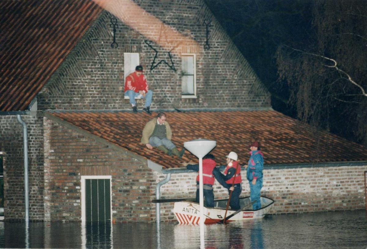 Evacuatie van inwoners in Dilsen-Stokkem eind december 1993.