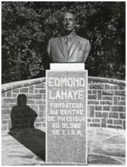 Statue d'Edmond Lahaye, fondateur du Centre de Physique du Globe de l'IRM à Dourbes.